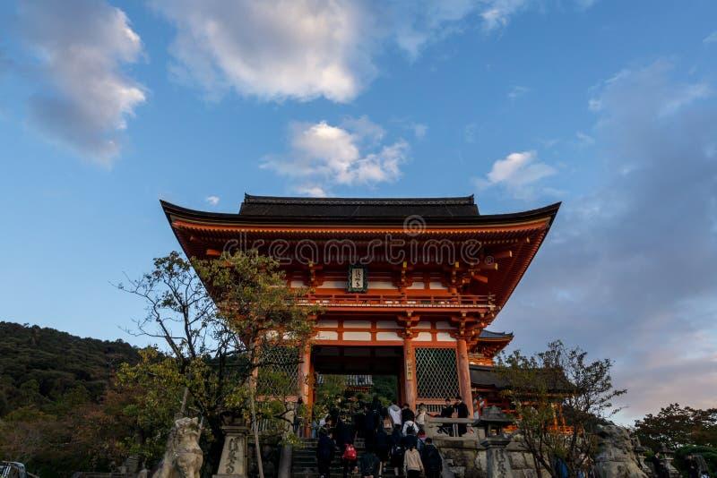 Porte occidentale de Kiyomizudera photos libres de droits