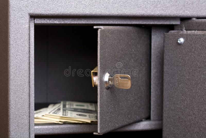 Porte ouverte de cadre sûr photographie stock