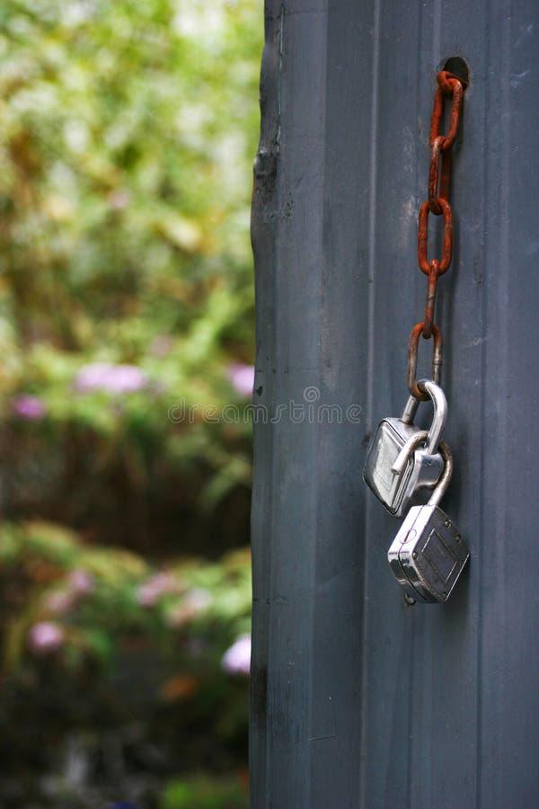 Free Porte Ouverte Sur Un Jardin Royalty Free Stock Photo - 1030255
