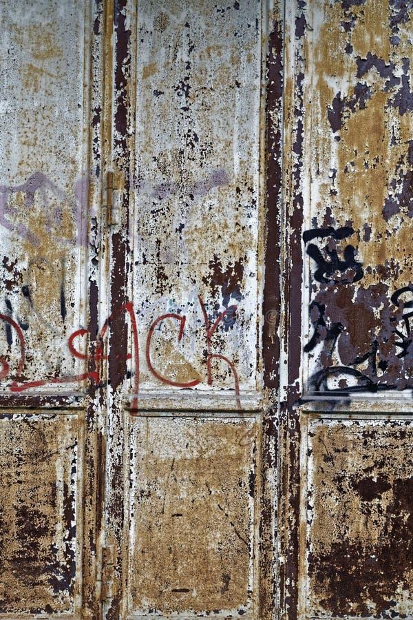 Porte rouillée image stock