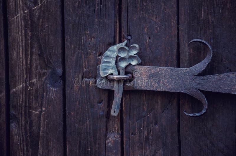 Porte, vieille maison ukrainienne pendant l'été photo libre de droits