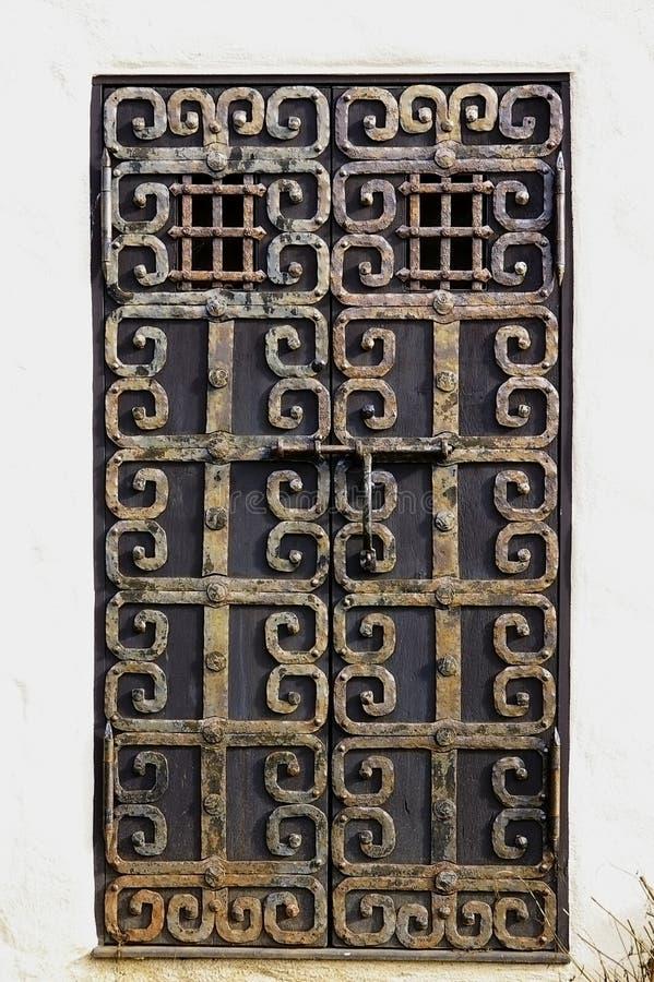 Portello crafty del metallo arrugginito di Grunge immagini stock