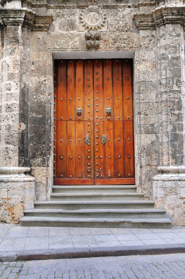 Portello dell'annata su vecchia Avana immagine stock