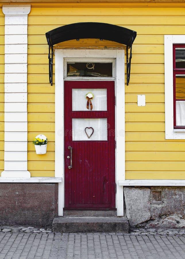 Portello di entrata Il portico della casa fotografia stock