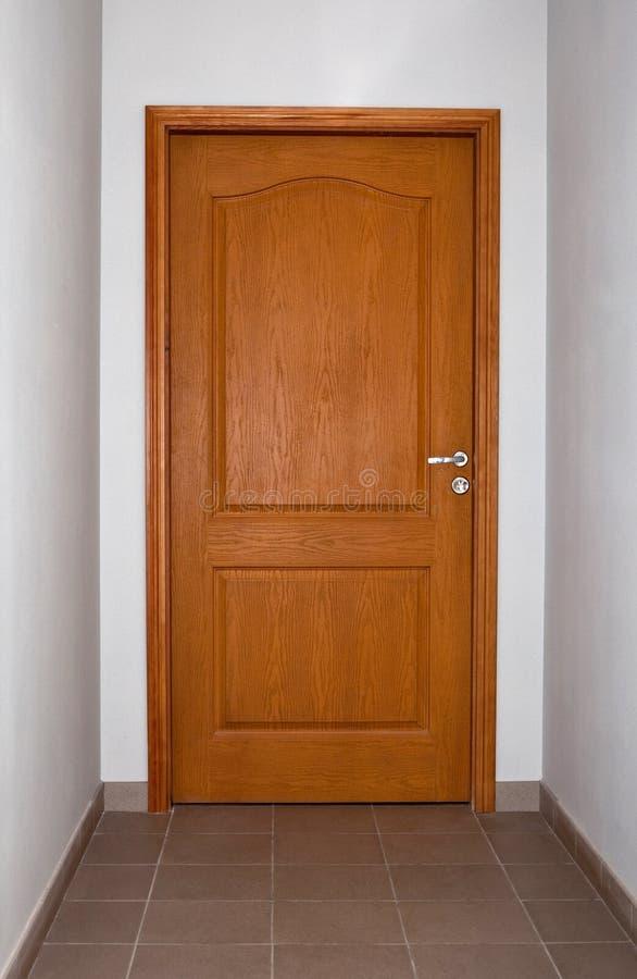 Portello di legno chiuso fotografia stock