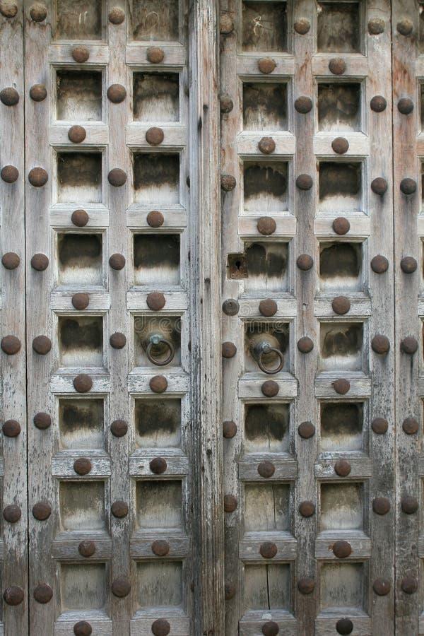 Portello di legno intagliato fotografia stock