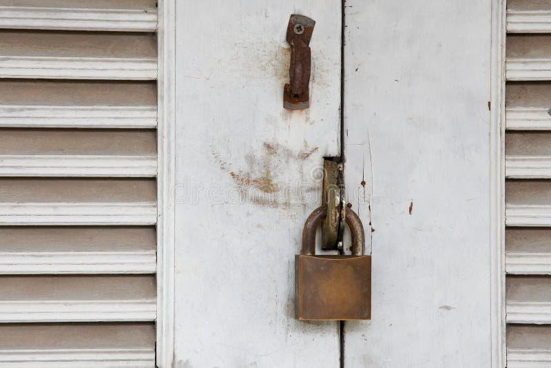 Portello Locked con il tasto immagine stock