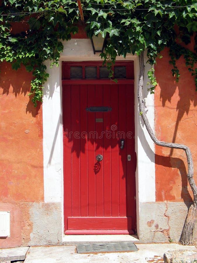 Portello rosso in Toscana. L'Italia fotografie stock libere da diritti