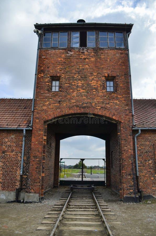 Porten av Auschwitz royaltyfria bilder