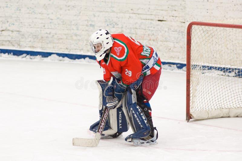 Portero del equipo de hockey Scherbinka fotos de archivo