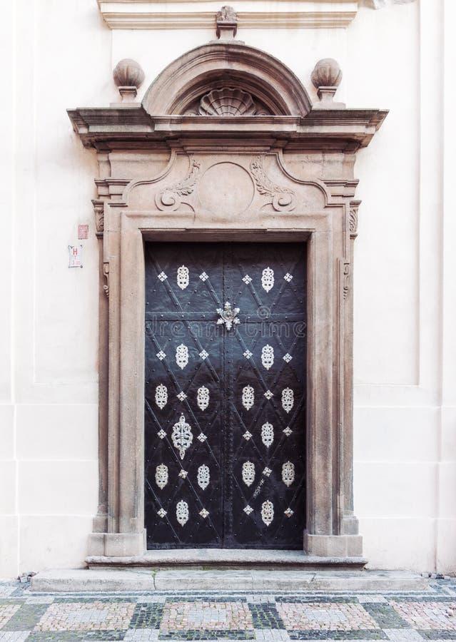 Portes baroques décoratives de palais image libre de droits