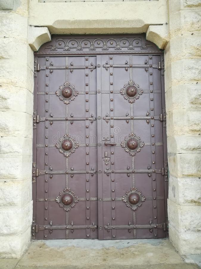 Portes dans l'église Lviv l'ukraine photographie stock libre de droits