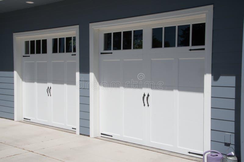 Portes de garage image libre de droits