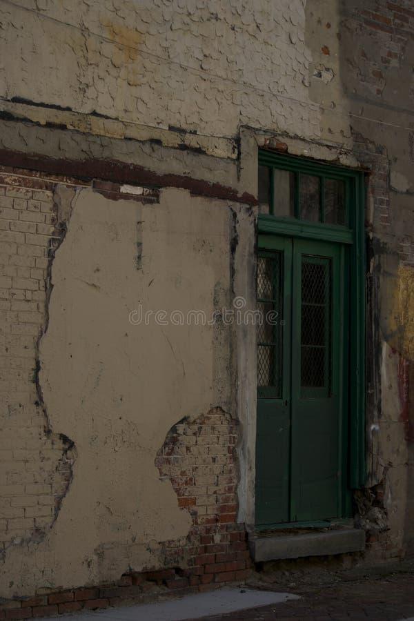 Portes vertes photo libre de droits