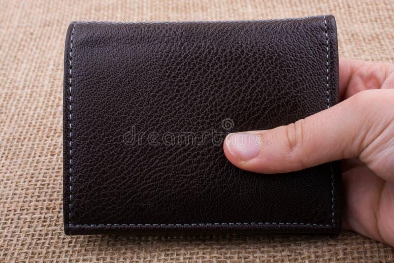Portfel w ręka finanse i oszczędzania pojęciu zdjęcie royalty free