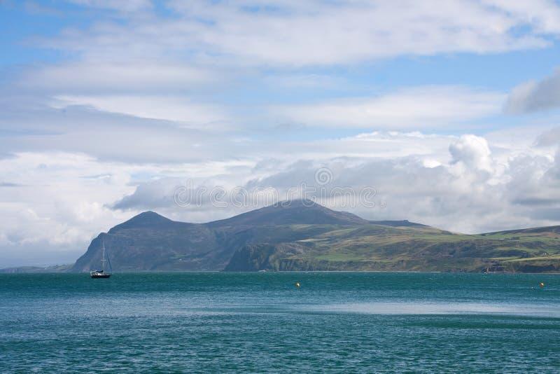 Download Porth Dinllaen stockbild. Bild von landschaft, fiel, küstenlinie - 26364093