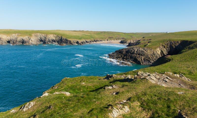 Porth skämtstrand en kust bredvid Crantock Cornwall England UK nära Newquay arkivfoto