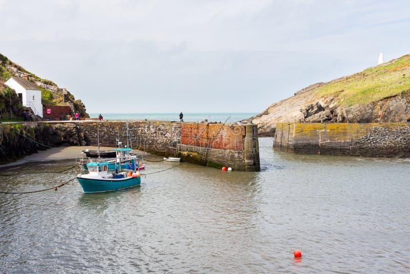 Porthgain Pembrokeshire Gales fotos de stock