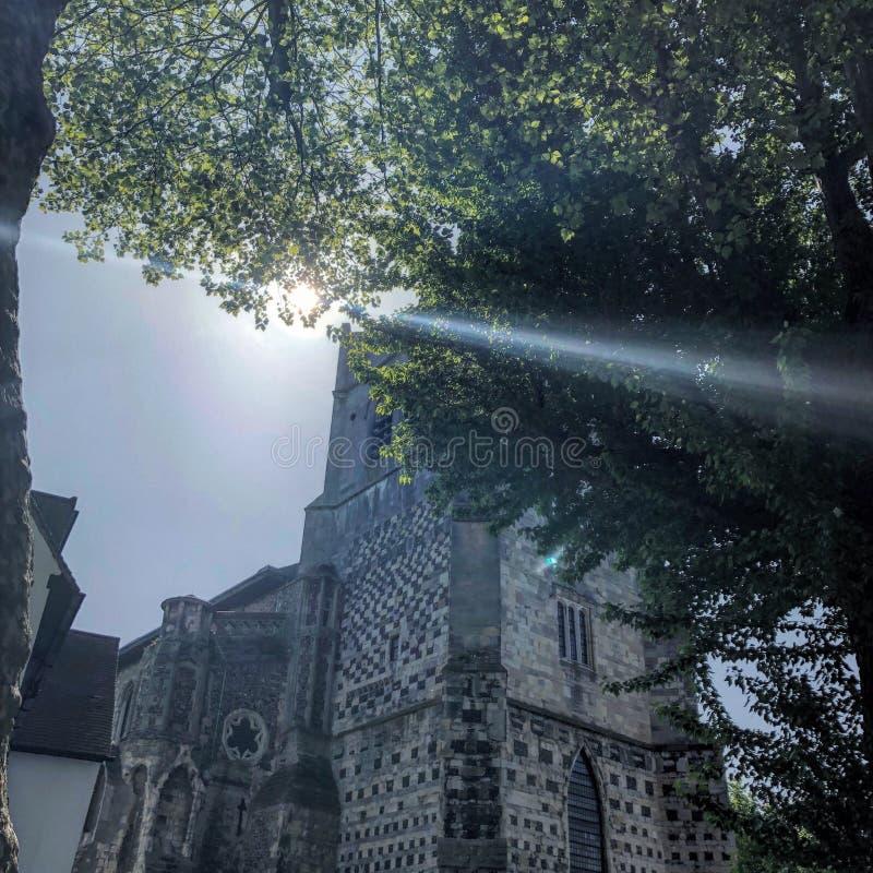 Porthus för trädgård för solstråleabbotsklosterkyrka royaltyfri bild