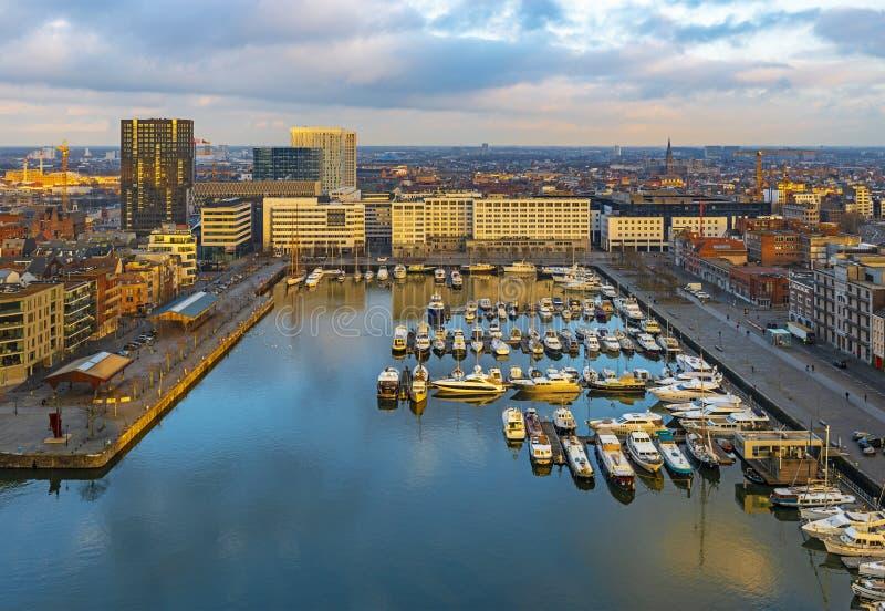 Porticciolo al tramonto, Belgio dell'yacht di Anversa fotografia stock