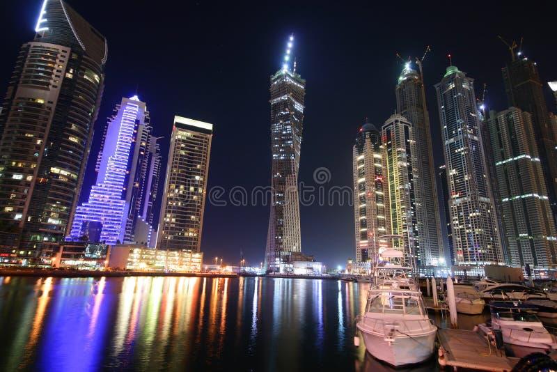 Porticciolo alla notte, Emirati Arabi Uniti della Doubai fotografie stock