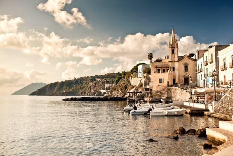 Porticciolo Corta nell'isola di Lipari fotografie stock libere da diritti
