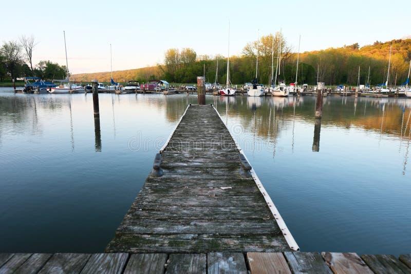 Porticciolo sul lago Cayuga fotografia stock libera da diritti