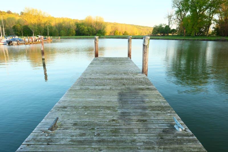 Porticciolo sul lago Cayuga immagini stock libere da diritti
