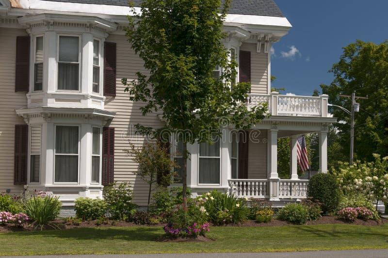 Portico della casa della Nuova Inghilterra fotografie stock