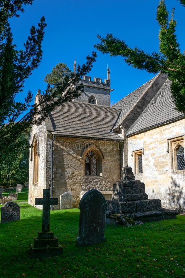 Portiek van Kerk St James, Colesbourne, Gloucestershire stock foto