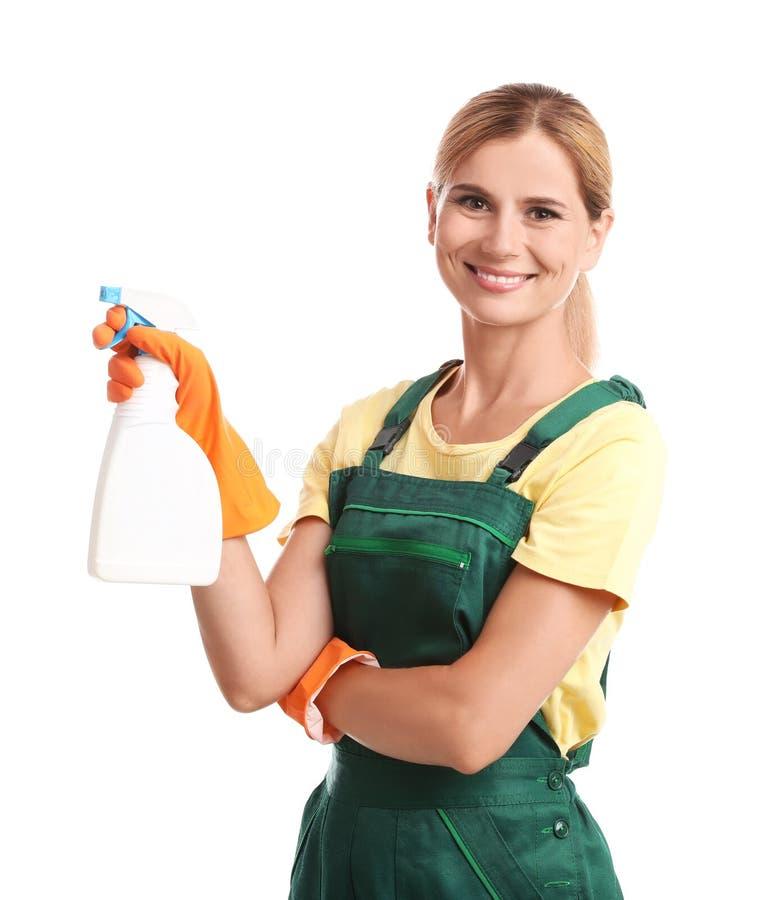 Portier féminin avec la bouteille du produit d'entretien images stock