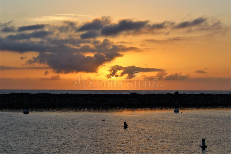 Portifino加利福尼亚海洋边日落在雷东多海滩,加利福尼亚,美国 库存图片