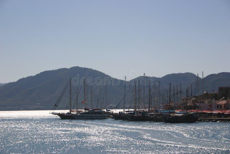 Download Portkalkon arkivfoto. Bild av segelbåtar, town, mast, vatten - 284274