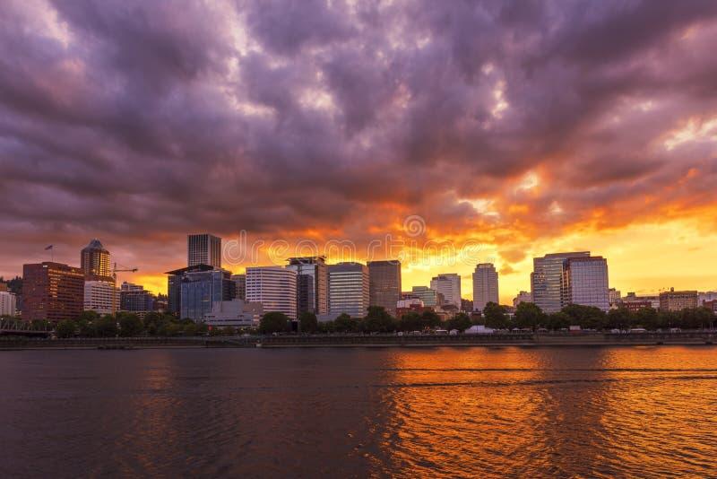 Portland au coucher du soleil photos stock