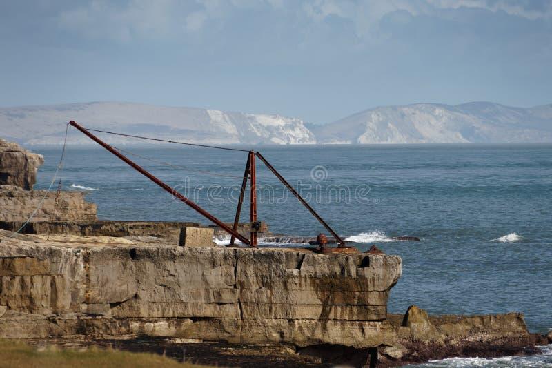PORTLAND BILL, DORSET/UK - 16 FÉVRIER : Vue d'un vieux treuil a image libre de droits