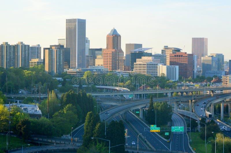 Portland Cityscapesikt från den flyg- spårvagnen arkivbilder