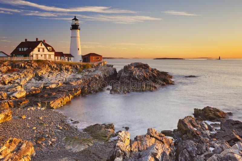 Portland dirige el faro, Maine, los E.E.U.U. en la salida del sol foto de archivo