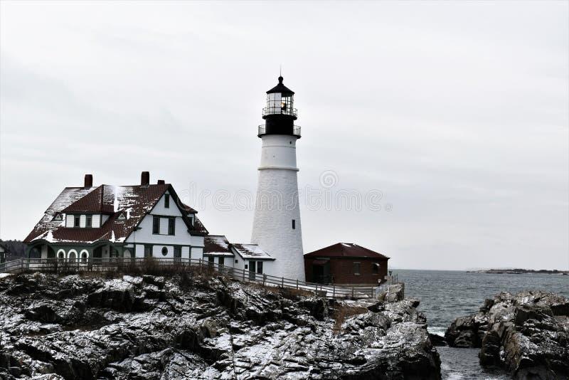 Portland głowy światło i otaczanie krajobraz na przylądku Eiizabeth, Cumberland okręg administracyjny, Maine, Stany Zjednocz obraz stock