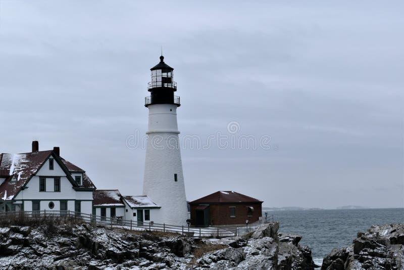 Portland głowy światło i otaczanie krajobraz na przylądku Eiizabeth, Cumberland okręg administracyjny, Maine, Stany Zjednocz zdjęcie royalty free