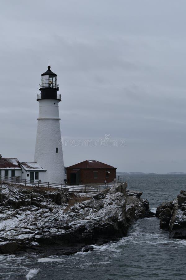 Portland huvudljus och omgeende landskap på udde Eiizabeth, Cumberland County, Maine, Förenta staterna New England USA royaltyfria foton
