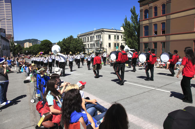 PORTLAND - JUNE 12: ROSE FESTIVAL ANNUAL PARADE. A high school band performing at the Rose festival parade, Portland OR stock images
