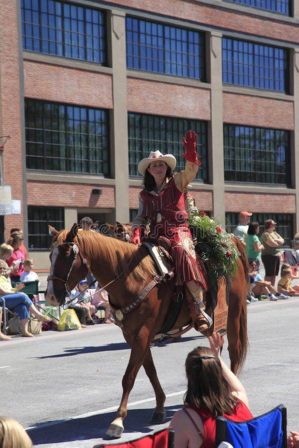 Download PORTLAND - JUNE 12: ROSE FESTIVAL ANNUAL PARADE. Editorial Image - Image: 14860090