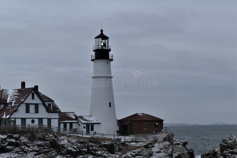 Portland-Kopf-Licht und umgebende Landschaft auf Kap Eiizabeth, Cumberland County, Maine, Vereinigte Staaten Neu-England US lizenzfreie stockfotografie