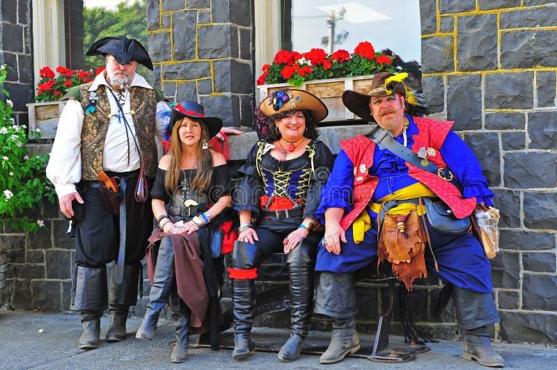 Portland-ODER Piraten-Festival-bunte Besatzung stockbilder