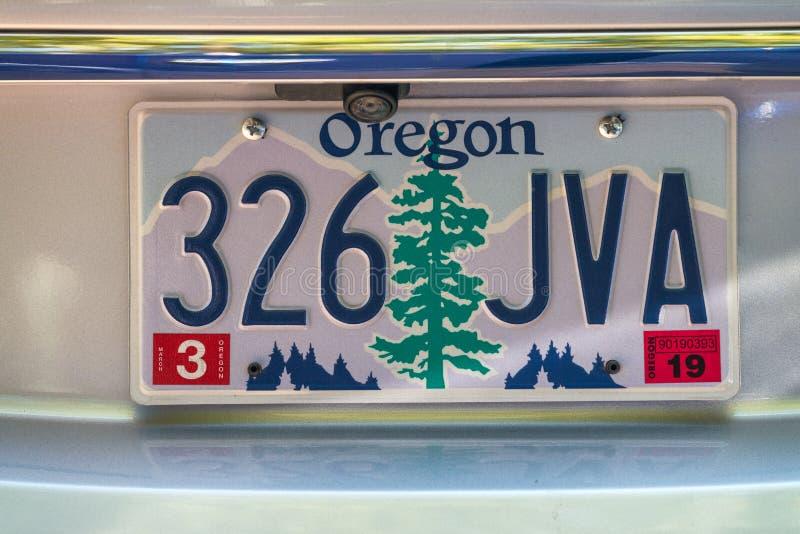 PORTLAND OREGON, SIERPIEŃ, - 19, 2017: Oregon samochodu talerz Natura jest ilustracji