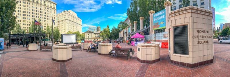 PORTLAND, OU - 18 DE AGOSTO DE 2017: Vista panorâmica de Courth pioneiro foto de stock royalty free