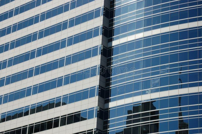 Portland, OU reflexão do prédio de escritórios imagem de stock royalty free