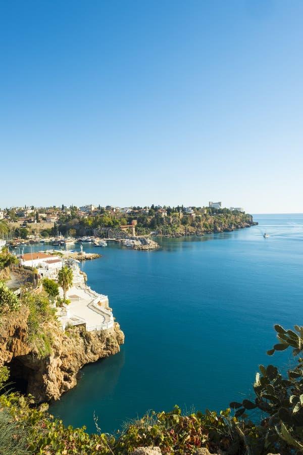 Porto áspero Meditteranean Antalya V do litoral fotografia de stock royalty free