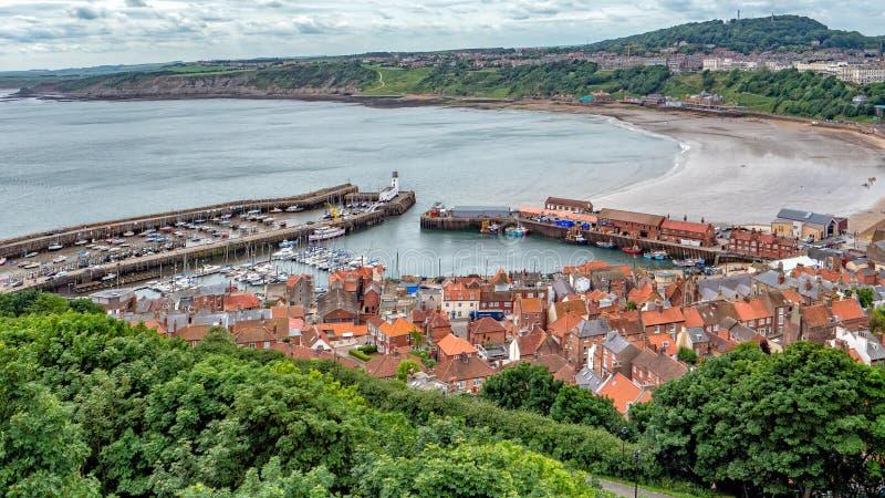 Porto a bassa marea, Yorkshire, Inghilterra di Scarborough immagine stock