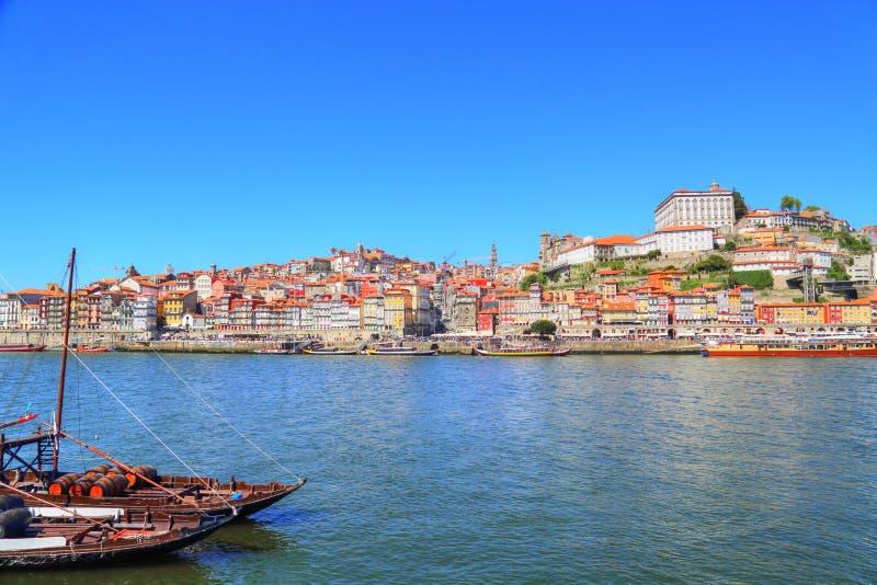 Porto, bateaux de Rio Douro photographie stock libre de droits